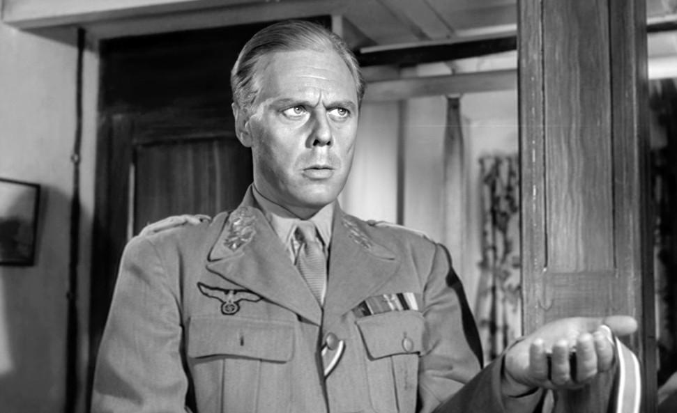 Marius Goring as Major General Kreipe