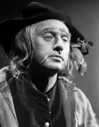 Marius Goring as Sir Percy/The Scarlet Pimpernel in disguise as The Blind Beggar in Episode 13 'The Flower Woman'