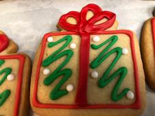 Green Present Cookie.jpg
