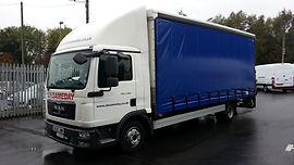 7.5 tonne lorry - curtain or box with tail lift