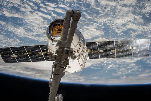 satellite-693209_1920.jpg