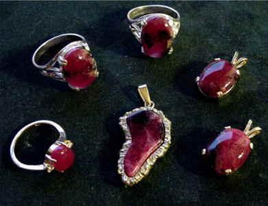 Tugtupite Jewelry