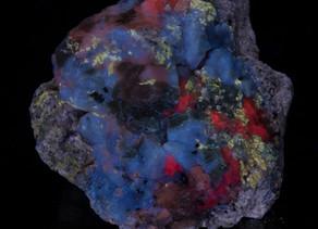 Sodalite (Hauyne?), Phlogopite, Calcite, Gonnardite - Afghanistan