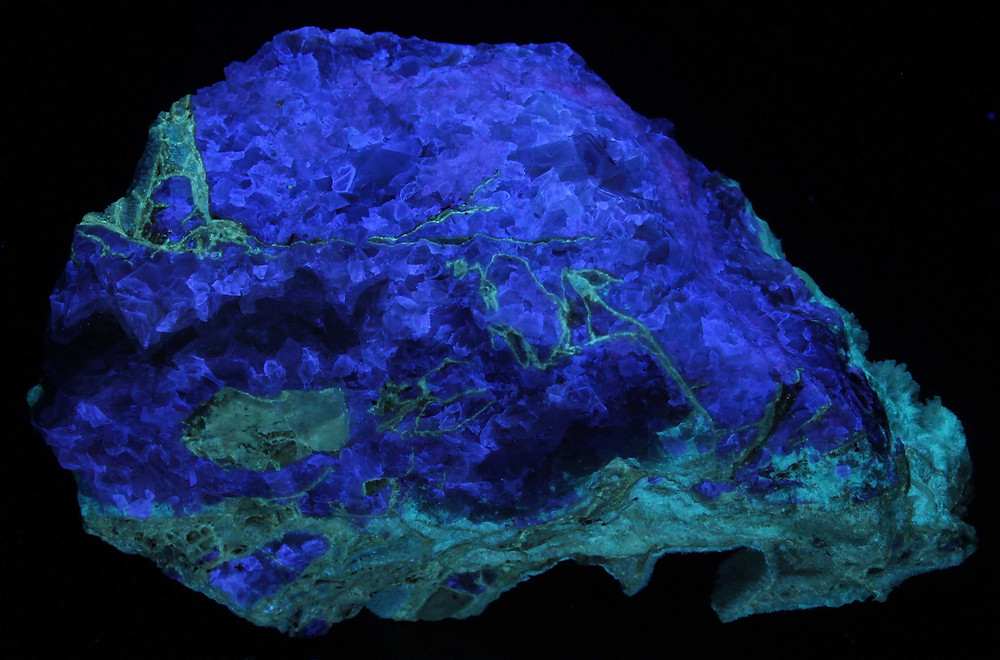 Smithsonite under Shortwave (2nd side) - Tsumeb, Namibia