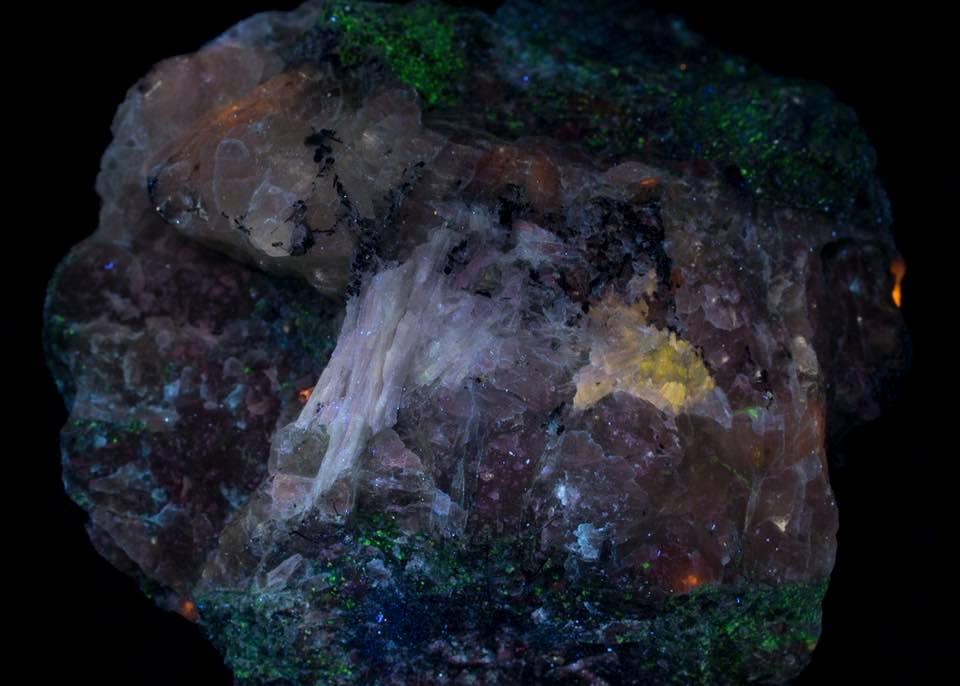 Apatite and Sorensenite - Longwave