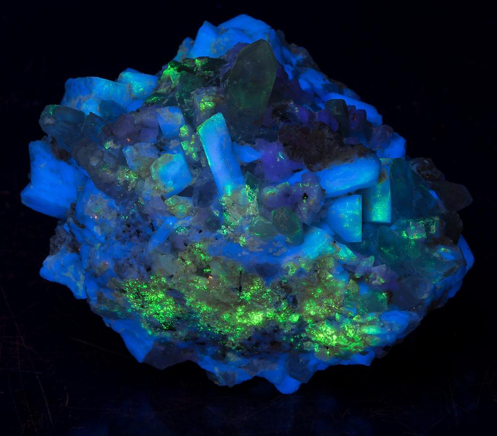 Feldspar crystals - shortwave blue