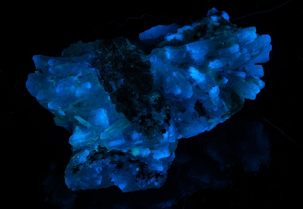 Prehnite from Merelani Mine, Arusha, Tanzania - Longwave