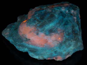 Sodalite Crystal (Hackmanite) and Winchite Very tenebrescent, phosphorescent, nice under LW - Afghan