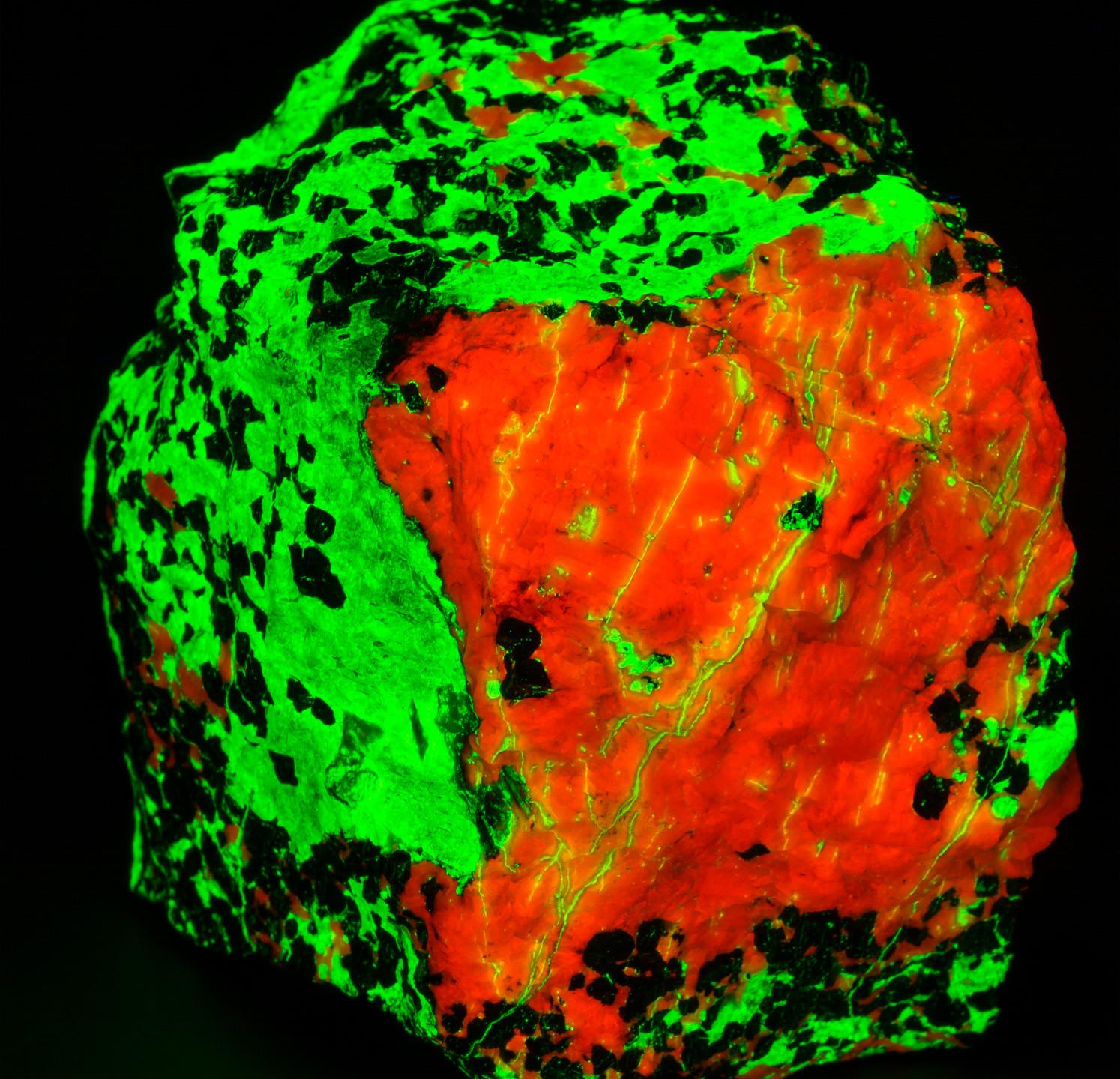 Willemite Calcite  SHORTWAVE