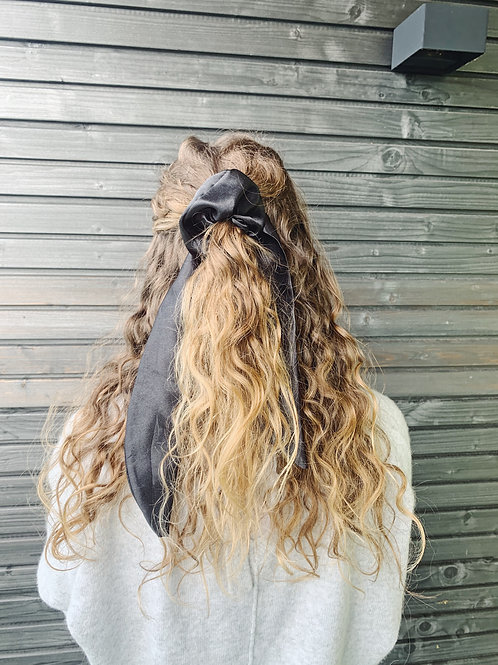 Scrunchie with Bow - Black