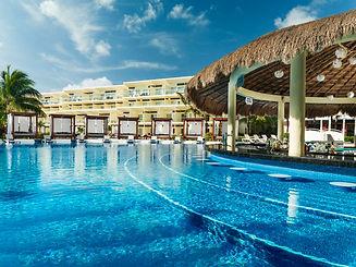 Azul Riviera Maya Swim Up Bar.jpg
