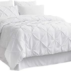 Pinch pleat white comforter