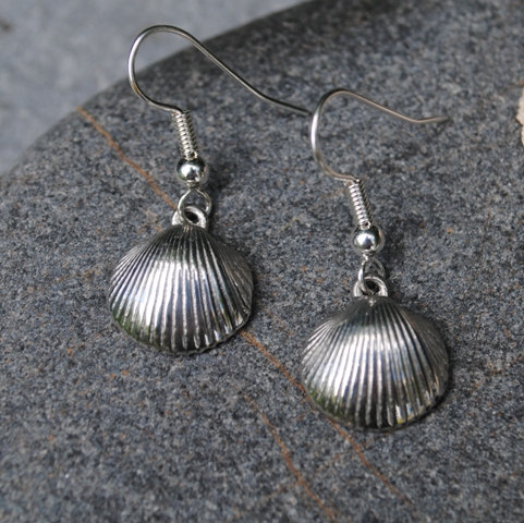 Cockleshell Earrings, pewter