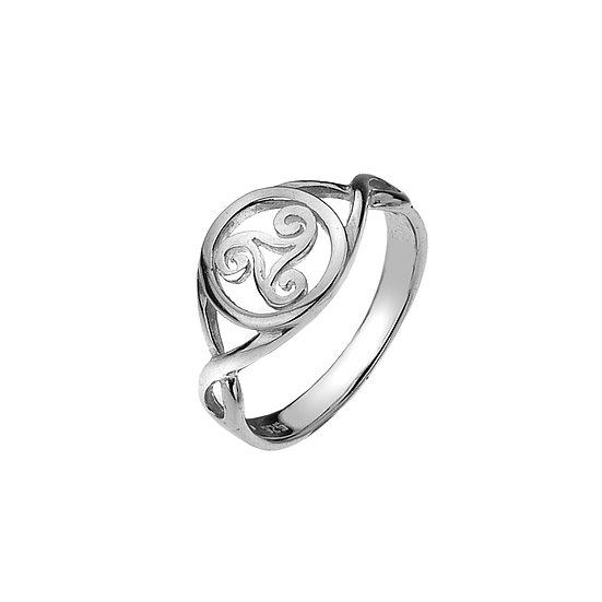 Celtic Triskele in Circle Ring