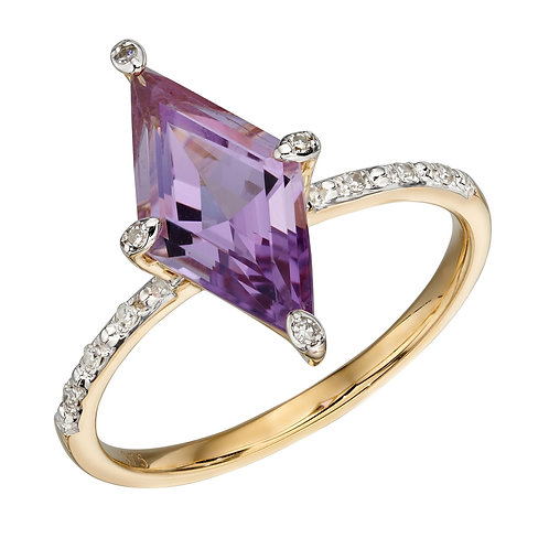 Kite Shaped Amethyst Ring in Yellow Gold