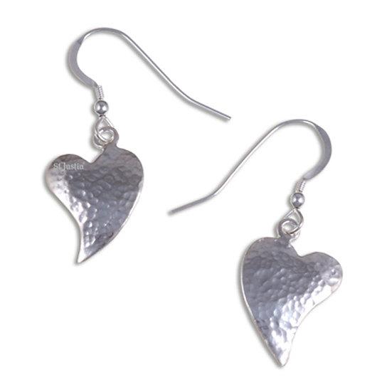 Hammered heart drop earrings - Silver