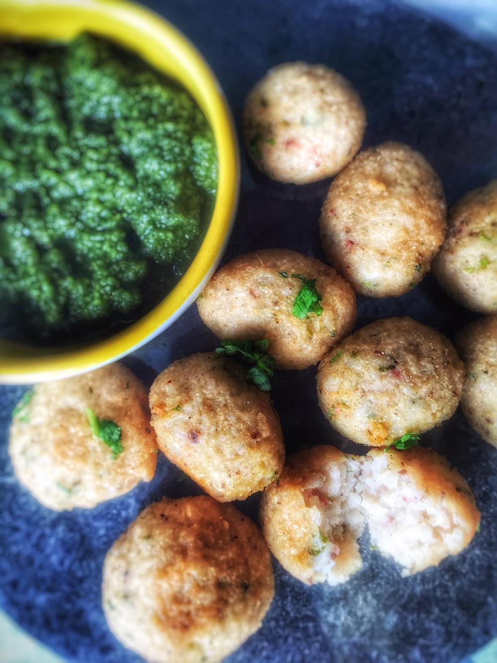 Rice Pakoras, Rice fritters, chawal ke pakode, indian food, aarti food blog