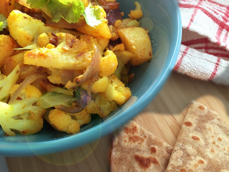 Aloo Gobi (Spiced Cauliflower with Potatoes - Indian style)
