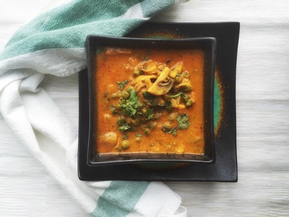 Mushroom matar, Mushroom peas curry