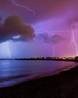 thunders.jpg