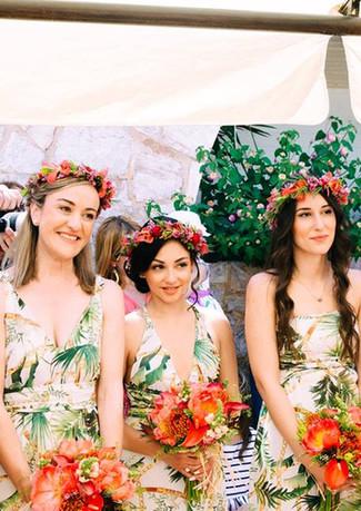 Bridesmaids in line!