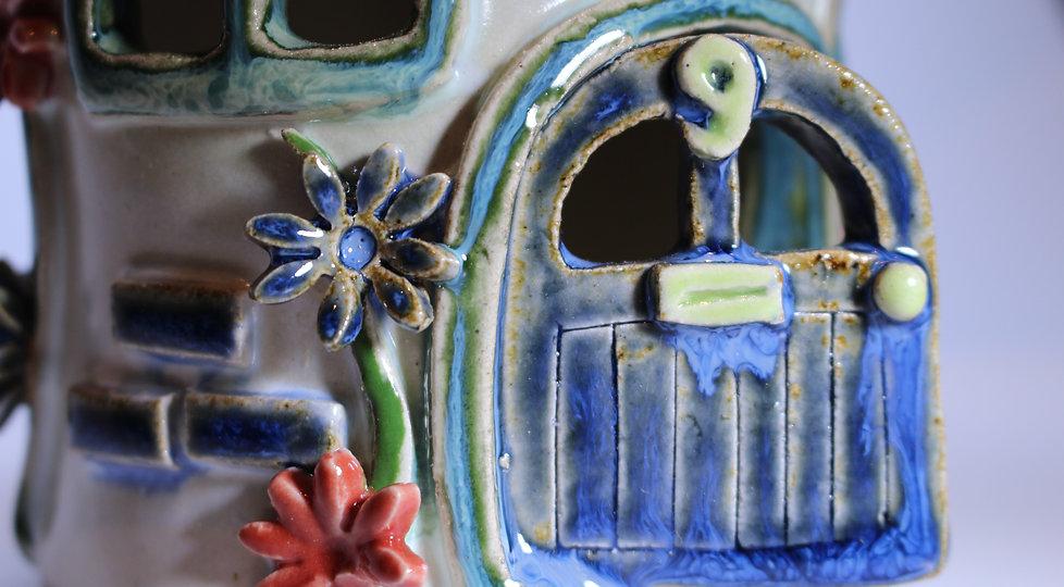 Lovebird Cottage WS6.JPG