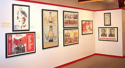 installation of traveling exhibits russian posters
