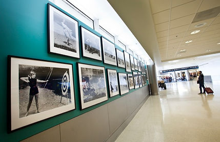 installation of traveling exhibits at airport