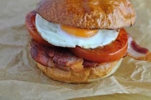 bacon-egg-bun.jpg