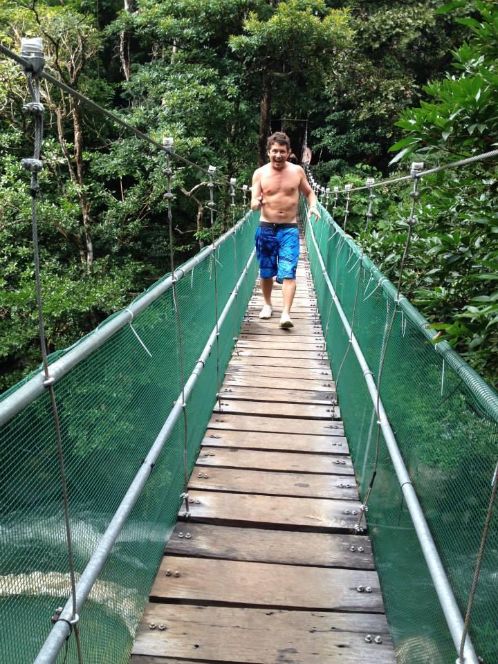 Puentes Colgantes Guachipelin