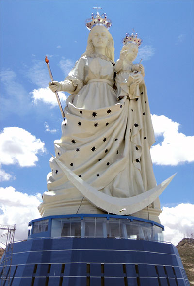 Monumento_de_la_virgen_del_socavon_candelaria.jpg