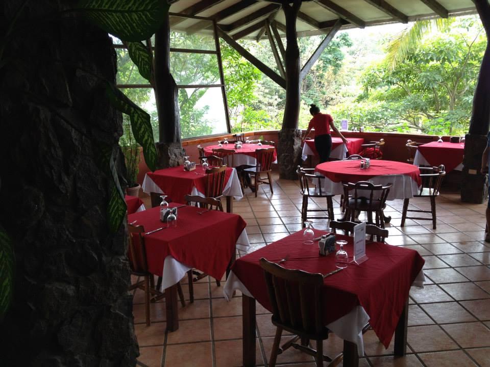 Salon Restaurant.jpg