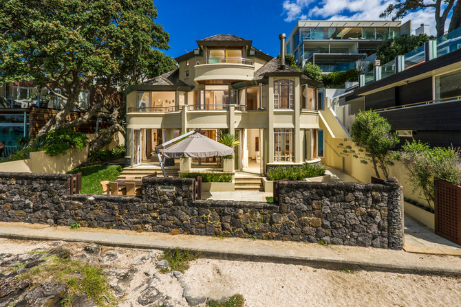 Once In A Lifetime - Exquisite Beachfront Position