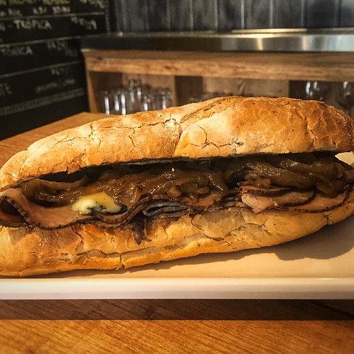 Sanduiche de Rosbife com Gorgonzola