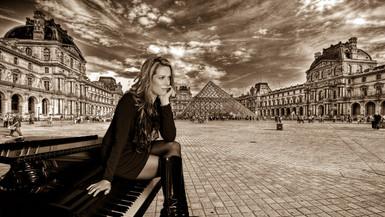 Jennifer Paris amber.jpg