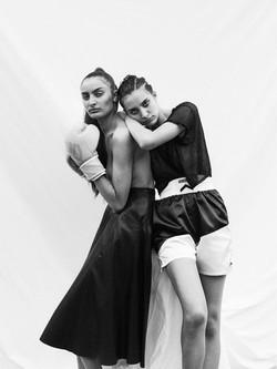 Kamelia & Narjis _ METRO  334