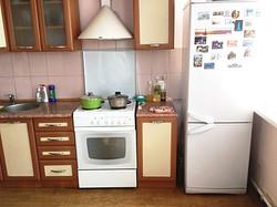Электрическая плита, холодильник