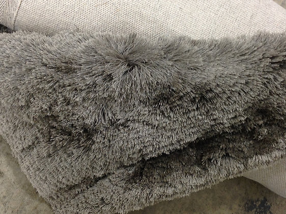 SOLD * LUXE GREY SHAG AREA RUG
