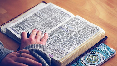 women-of-the-word-reading-the-bible-for-