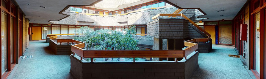 Suite 275 - Courtyard View