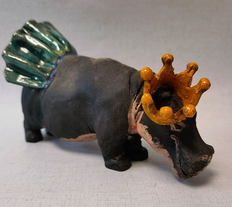 """""""Diva Hippo""""- by Pi Potters"""