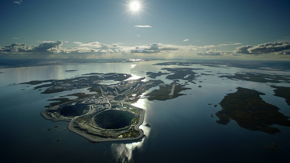 The Diavik Diamond Mine in Canada is situated in a Lake.