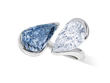 Toi & Moi Reza ring with Fancy Vivid Blue and a D colour Pear shape Diamond sold for $9.2 Million