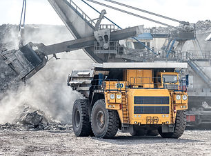 Ore loading with a powerful excavator. L