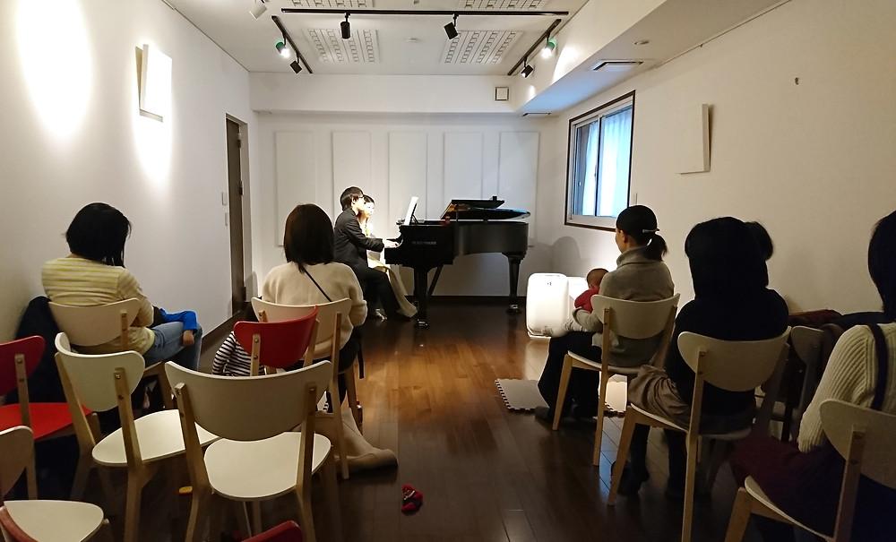 モーニングピアノコンサートの様子