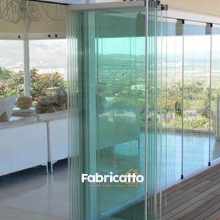 Porta sanfonada de vidro 1.jpg