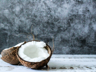 6 Reasons Why You Should Be Using Coconut Oil
