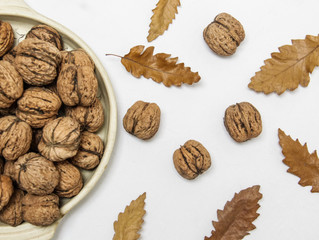 Delicious and Super-Easy Walnut Snack