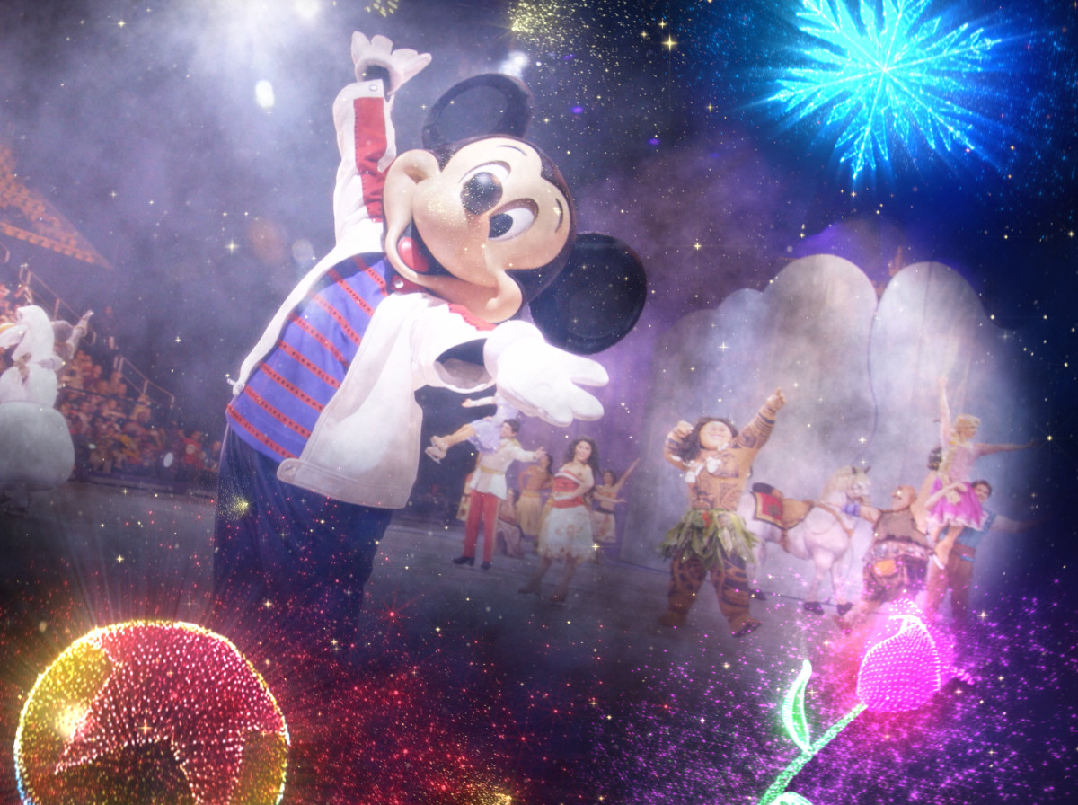 Disney On Ice - Goes Behind The Scenes -