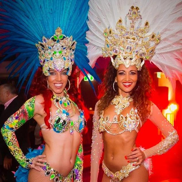 atelier mina do oro samba costumes.jpg